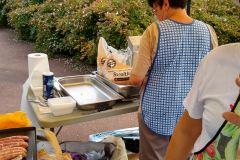 Frites et saucisses - la nourriture pour les bosseurs